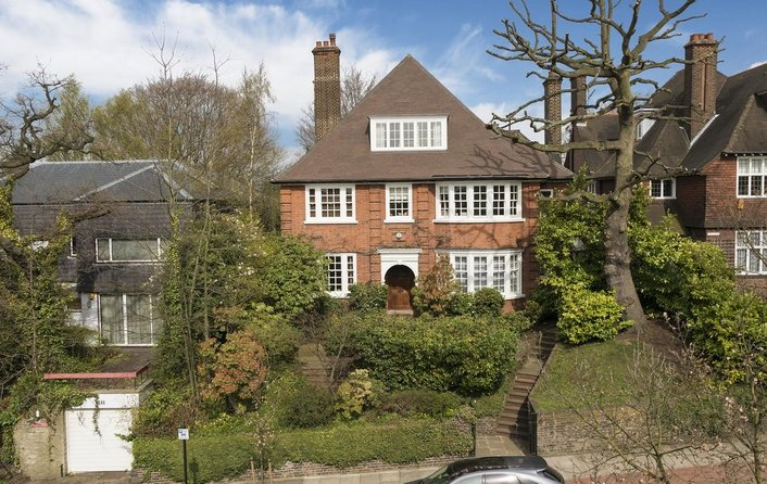 House for sale in Oakhill Avenue, Hampstead