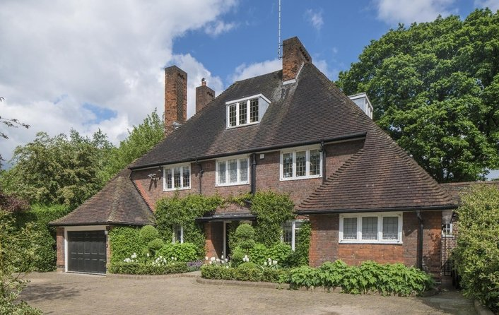 House for sale in Wildwood Road, Hampstead Garden Suburb