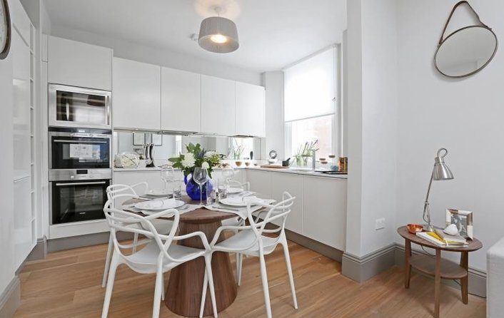 Property to rent in Goodge Street, London