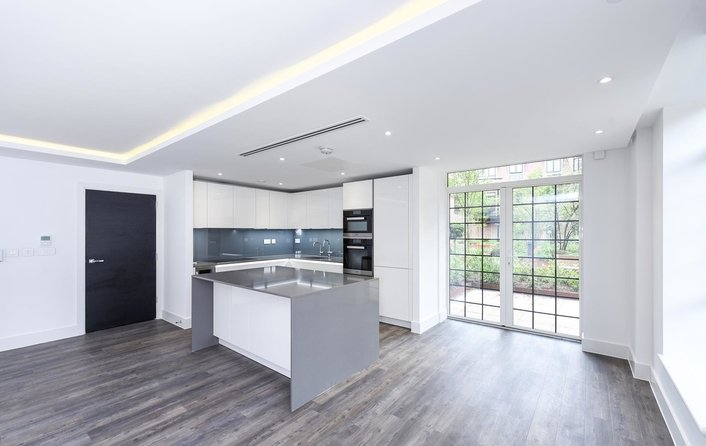 House to rent in Hampstead Reach, Hampstead