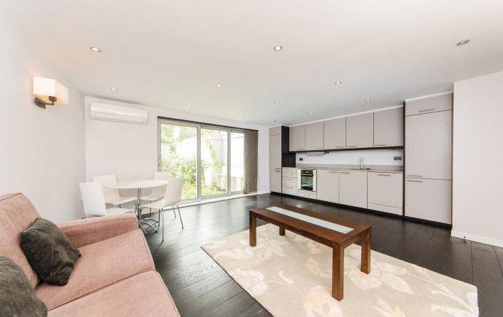 Flat to rent in Loudoun Road, St. John's Wood