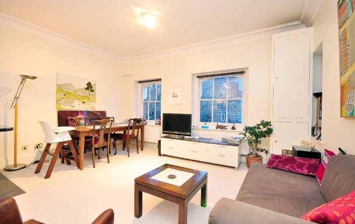 Flat to rent in New End, Hampstead Village