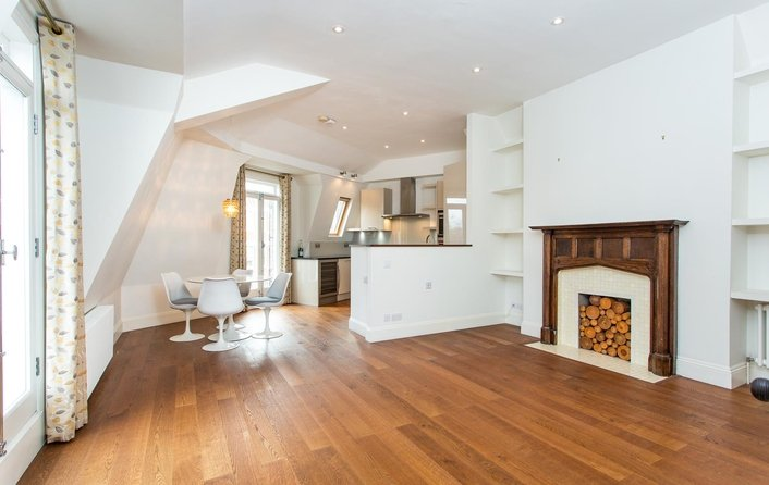 Property to rent in Pilgrims Lane, Hampstead Village