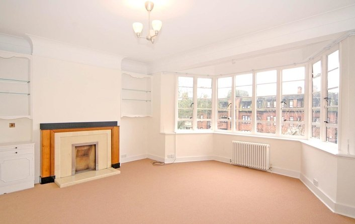 Flat to rent in Wedderburn Road, Hampstead