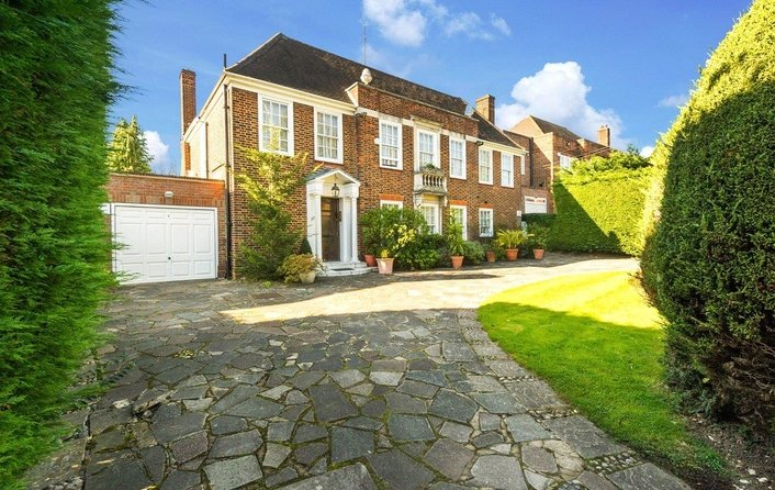 House to rent in Winnington Road, Hampstead Garden Suburb