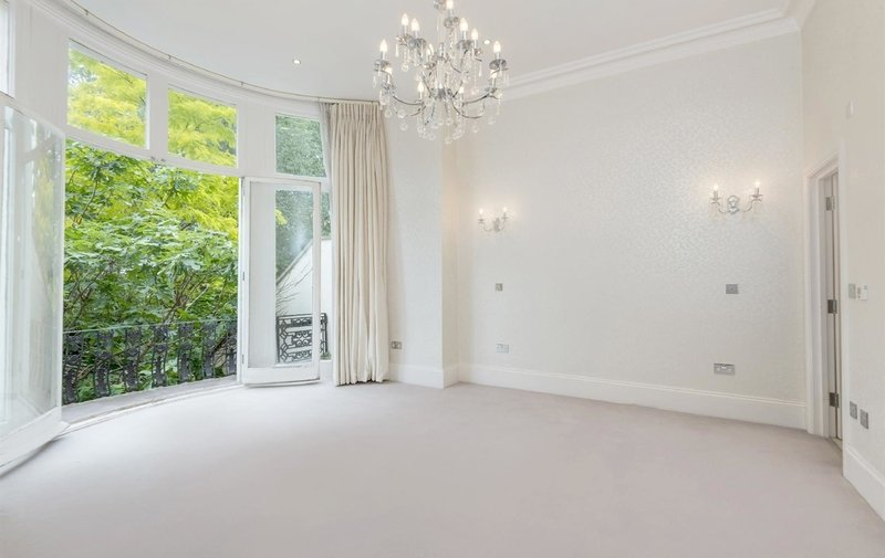Flat for sale in Belsize Park Gardens, Belsize Park