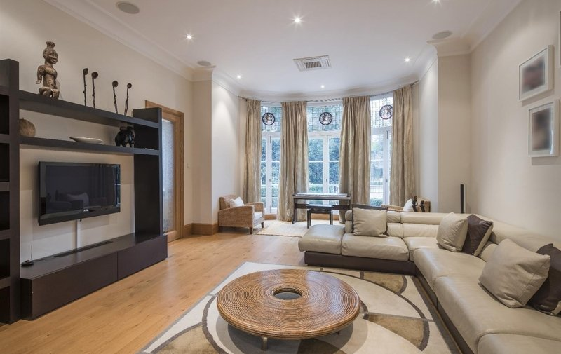 House for sale in Elm Walk, Hampstead
