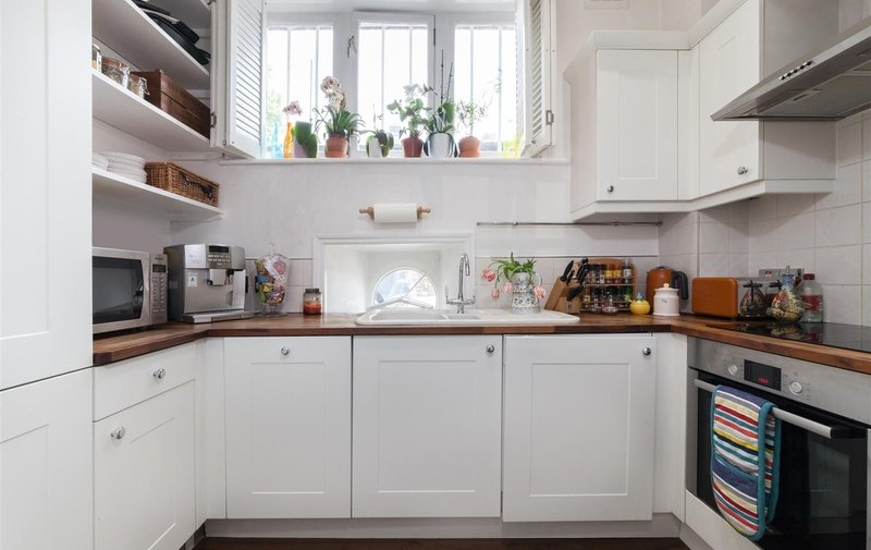 Flat for sale in Hampstead Hill Gardens, Hampstead