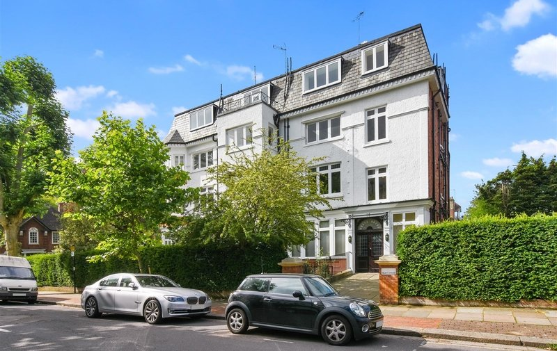 Flat for sale in Heath Drive, Hampstead