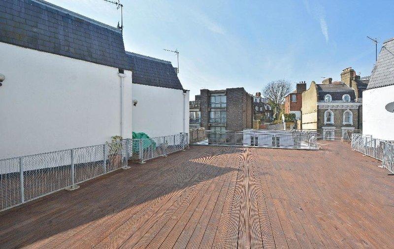 Flat for sale in Heath Street, Hampstead Village