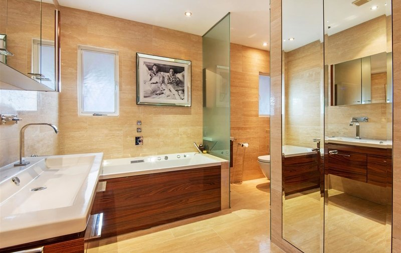 House for sale in Kingsley Way, Hampstead Garden Suburb