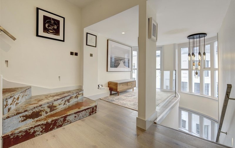 Flat for sale in Lancaster Drive, Belsize Park