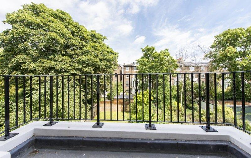Flat for sale in Lancaster Grove, Belsize Park