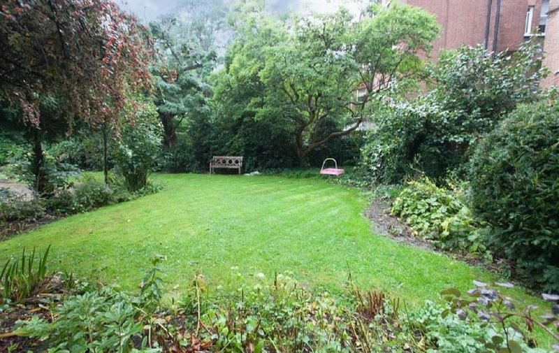 Flat for sale in Netherhall Gardens, Hampstead