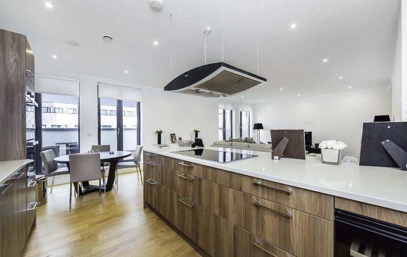 Flat for sale in Penthouse Apartment, The Lexington, London