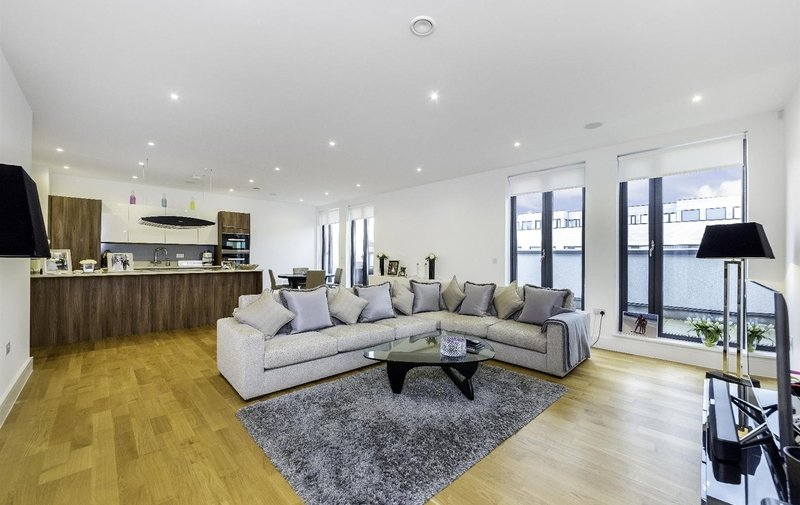 Flat for sale in Penthouse Apartment, The Lexington, London