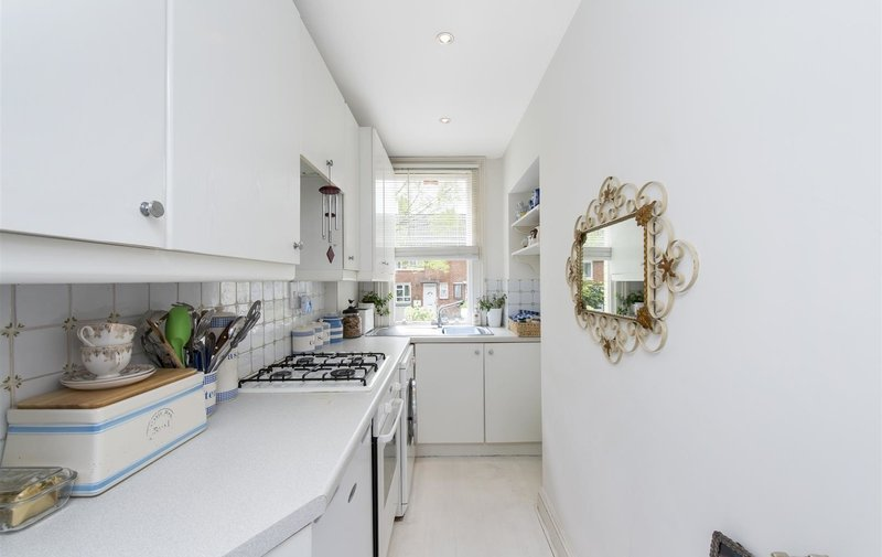Flat for sale in Kemplay Road, Hampstead Village