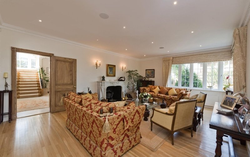 House for sale in West Heath Close, Hampstead