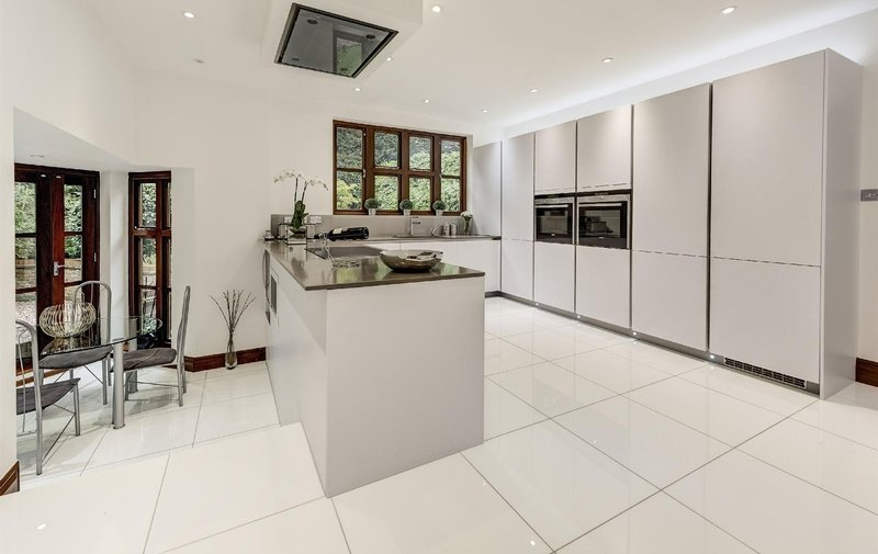 House for sale in Westover Hill, Hampstead