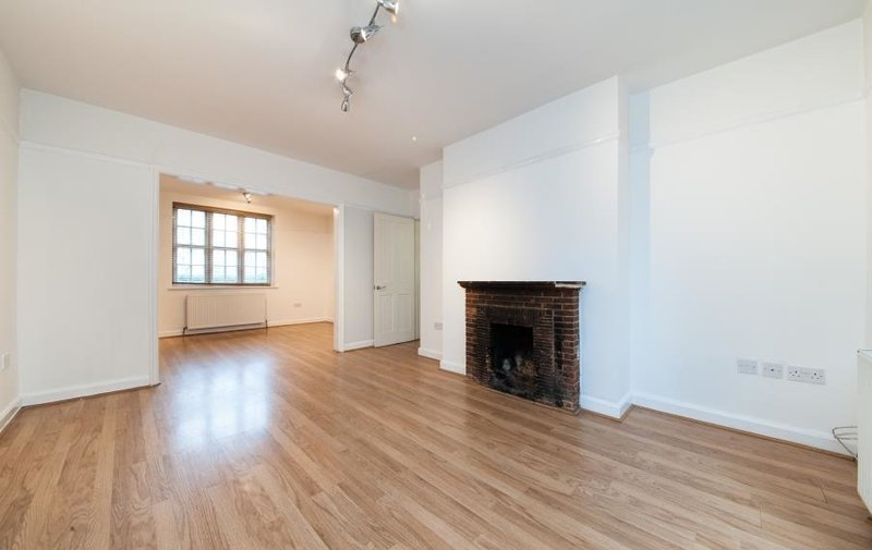 House to rent in Asmuns Hill, Hampstead Garden Suburb