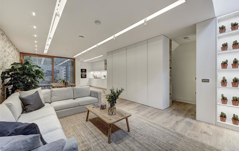 House to rent in Bingham Place, Marylebone