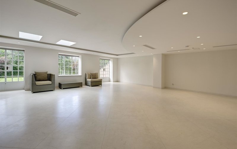 House to rent in Church Mount, Hampstead Garden Suburb