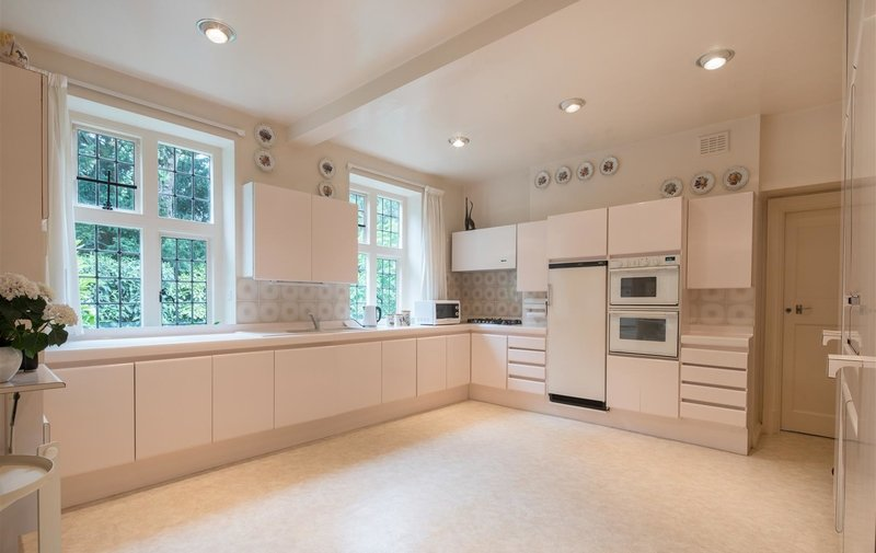 House to rent in Constable Close, London