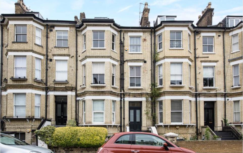 House to rent in Crossfield Road, Hampstead