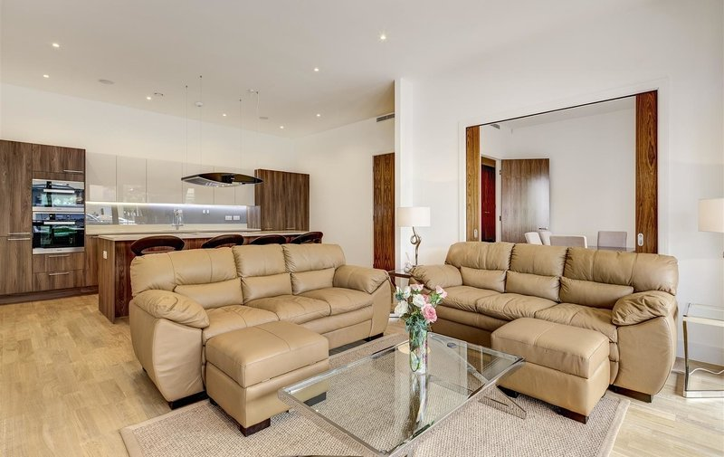 Property to rent in Finchley Road, Golders Green