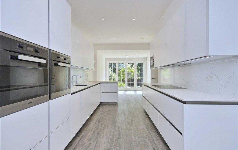 House to rent in Greenaway Gardens, Hampstead