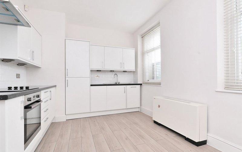 Flat to rent in Hampstead High Street, Hampstead Village