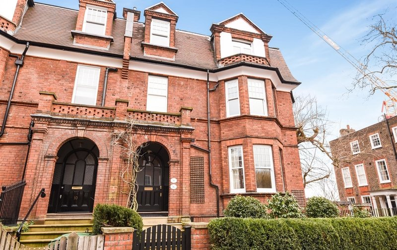 House to rent in Hampstead Square, Hampstead Village