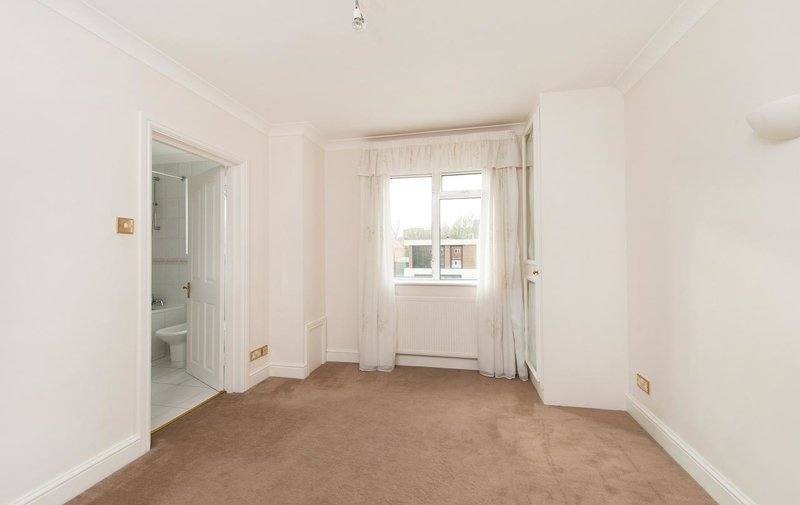 House to rent in Harley Road, Swiss Cottage