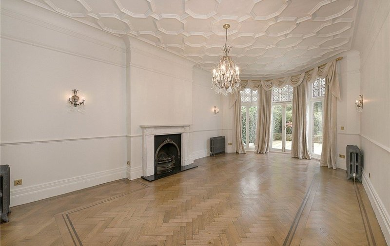 House to rent in Heath Drive, Hampstead