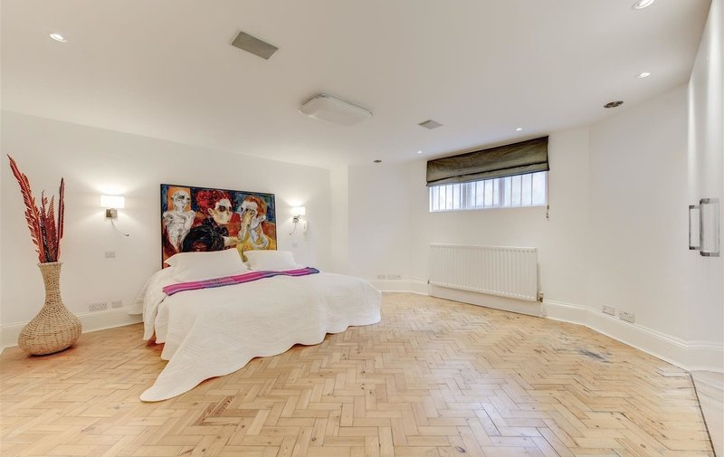 House to rent in Hollycroft Avenue, Hampstead
