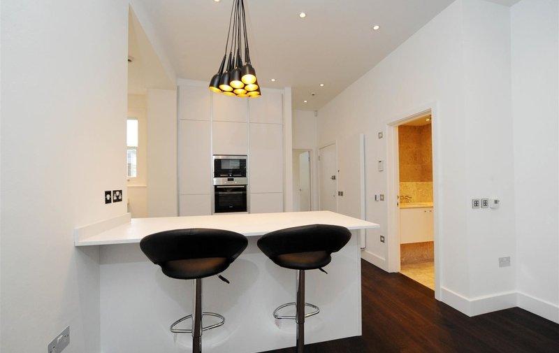 Flat to rent in Lancaster Grove, Belsize Park