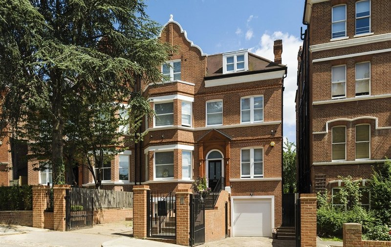 House to rent in Langland Gardens, Hampstead