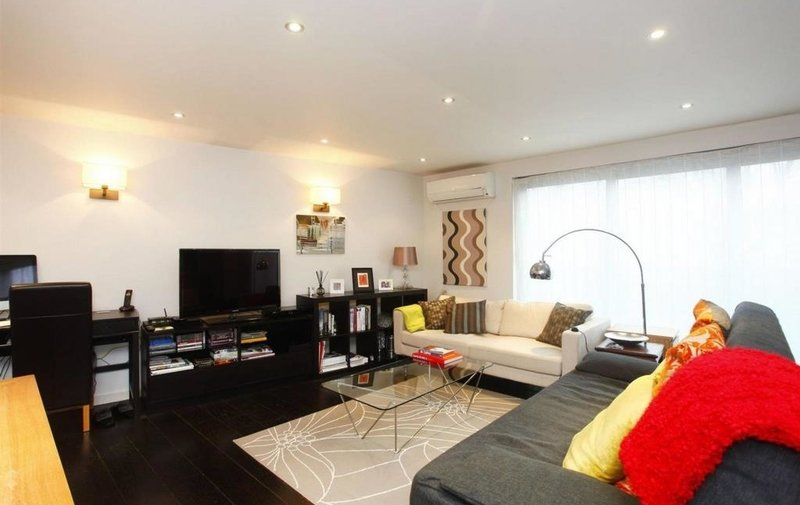 Property to rent in Loudoun Road, St. John's Wood