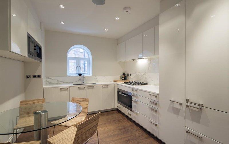 Flat to rent in Netherhall Gardens, Hampstead Village
