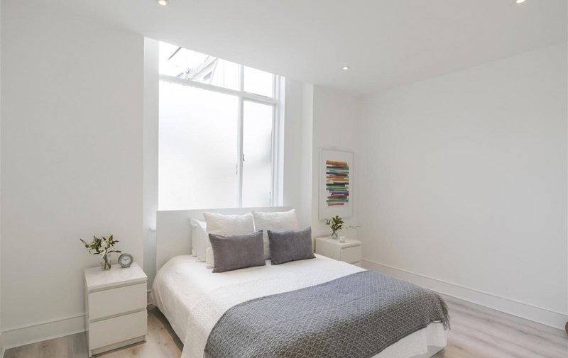 Flat to rent in Nottingham Place, Marylebone