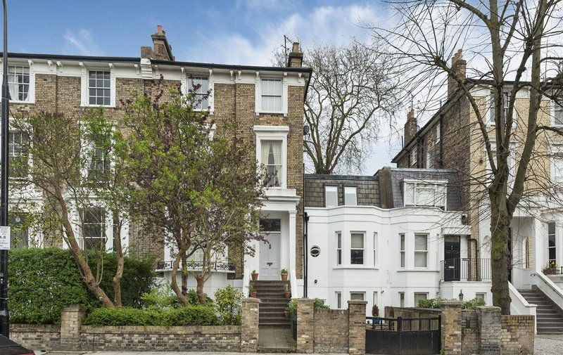 Flat to rent in Parkhill Road, Belsize Park