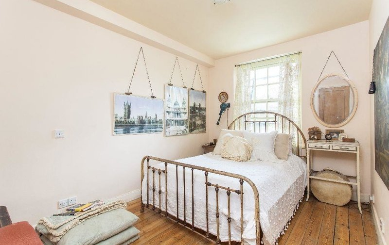 Flat to rent in Prince Arthur Road, Hampstead Village
