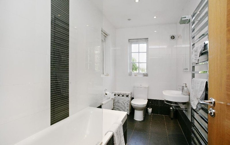 House to rent in Ruskin Close, Hamsptead Garden Suburb