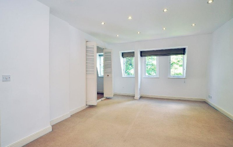 House to rent in Spencer Walk, Hampstead Village
