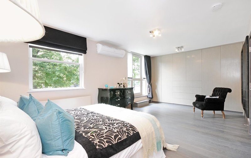 House to rent in St. Johns Wood Park, St. Johns Wood