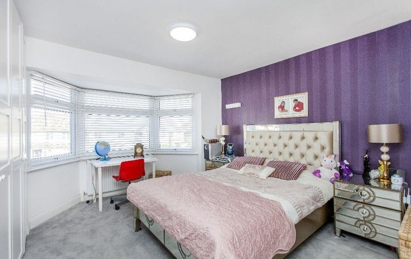 House to rent in The Vale, Golders Green