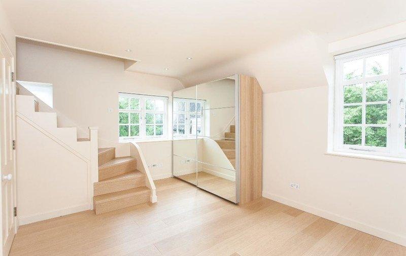 Flat to rent in Westholm, Hampstead Garden Suburb