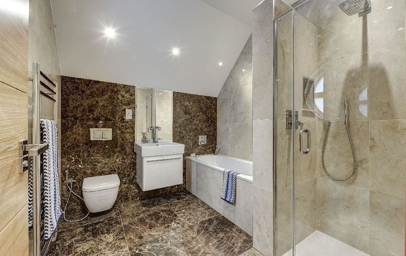House to rent in Westover Hill, Hampstead